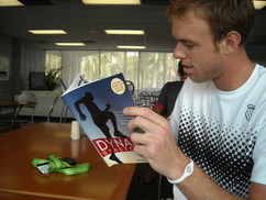 Sam Querrey Reading Mark Kovacs/ Dynamic Stretching